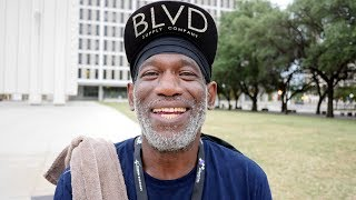 Video: Richard, Dallas, happy homeless veteran, earns $1 an hour, grateful for pair of socks - Invisible People