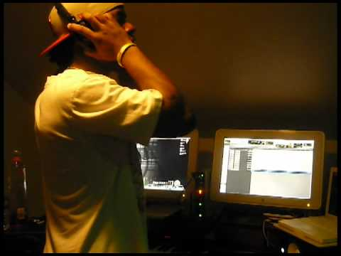 (Major Mann Hitz Studio) Stripper Pole Recording Session by @3DFamous (Chicago Shit)