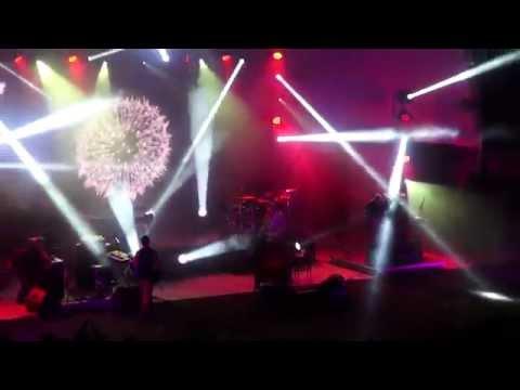 Amor Electro - Rosa Sangue (ao vivo em Vila Nova de Famalic�o)