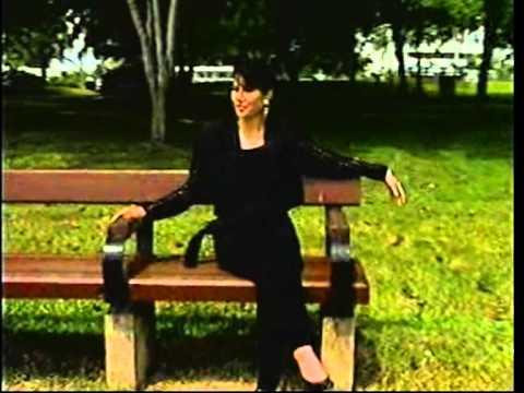 Angin  Mamiri  ( Karaoke ) video