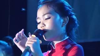 Con Xin Ở Lại Nơi Này - Quỳnh Như hát quá cảm động - LiveShow Quỳnh Như và những người bạn