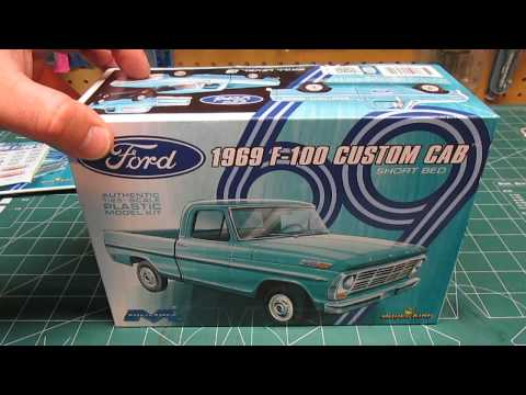 Moebius Model King 1/25 1969 Ford F-100 Custom Cab Short Bed Model Kit Review