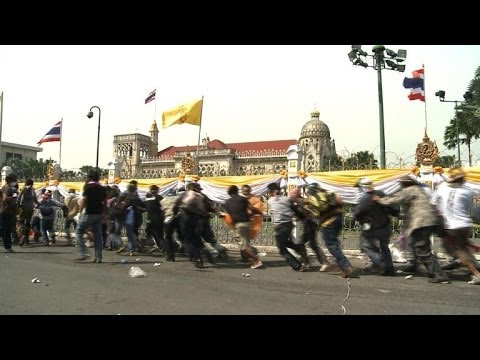 Thai police yield to protesters ahead of king's birthday