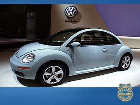 2010 VW New Beetle Final Edition - KBB - LA Auto Show - Volkswagen Video