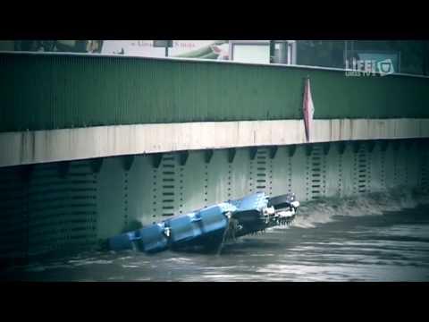 Kulminacyjna Fala Powodziowa Na Wiśle - Most Dębnicki W Krakowie