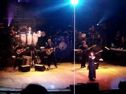 Gloria Estefan - Caridad