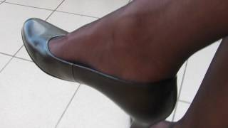 Gabor leather pumps and nylons, balcony shoeplay