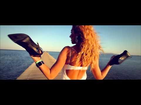 Funkstar De Luxe feat. Bob Marley - Sun Is Shining (Official Video) 15th Anniversary