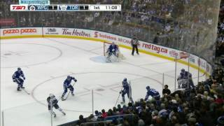 Carrick shaken up after awkward hit by Perreault