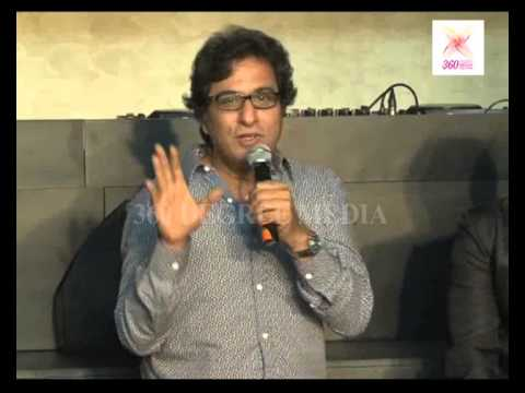 Talat Aziz (ghazal Singer) Praising Edm (bollyboom) & Sonu Nigam At Lunches 'bollyboom F Bar' video