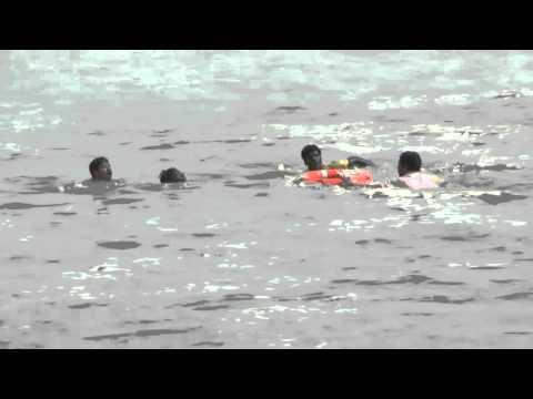 LIVE VIDEO ... PUDUCHERRY FLOOD 2 STUDENT  RESCUED