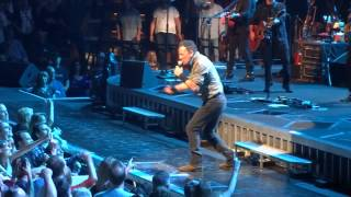 Watch Bruce Springsteen Roll Of The Dice video