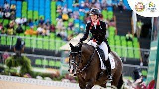 Cưỡi ngựa nghệ thuật đồng đội nữ chung kết