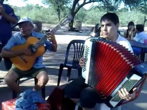 MARTIN PEREZ y su acordeón en QUEBRACHOS Sgo del Estero