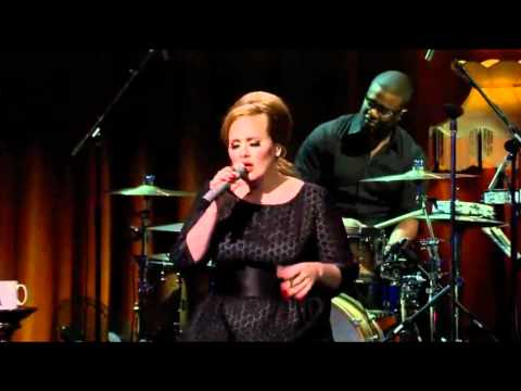 Adele - Lovesong (The Cure cover) Itunes Festival 2011 HD