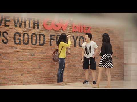 Download Lagu KISS PRANK STRANGER - Mintak Cium Sama Cewek Yang Gak di Kenal MP3 Free