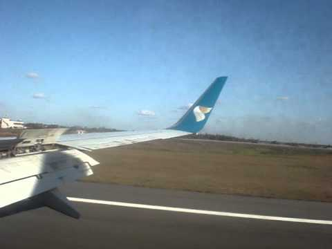 Oman Air 737-800 landing in Dar es Salaam