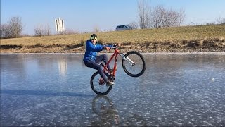 Wheeling + Manual sur Glace!! Ice Bike Wheeling ❄️