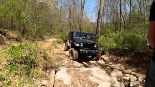 Jeep JK Rolling 35's Crawling Dry Creek