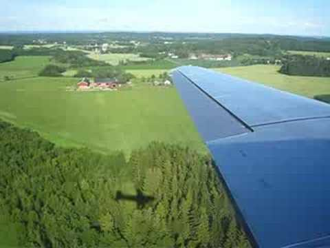 """This is a wingview-video of """"Dakota Norway""""s Douglas DC-3. This video shows you a landing at Torp Airport in Sandefjord, Norway(ENTO). -Runway 36 Please leave a comment :)"""