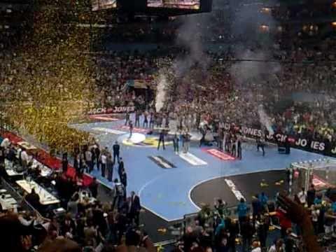 Ein Tag voller packender Ereignisse und mit einem Happy End für den THW Kiel. Beide Teams boten eine Leistung, die dieses Finale zu einem echten Highlight ma...