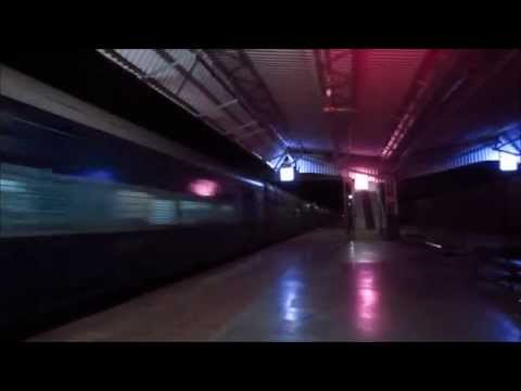Blazing Wap-4 12472 71 Swaraj Express: A Night Blast At 110kmph! video