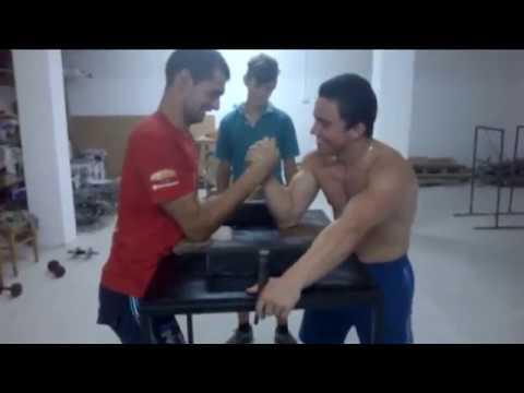 Gabriel Popescu vs Claudiu Gadalean Armwrestling Vendetta