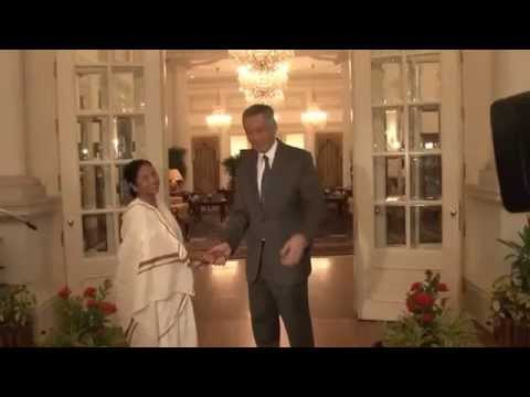 CM of West Bengal meets PM of Singapore