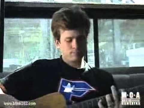 Tom Delonge playing ''Box Car Racer Watch The World'' Acoustic