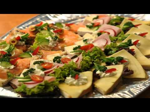 kanapki dekorowane na chlebie - mieszany obkład - catering Poznań