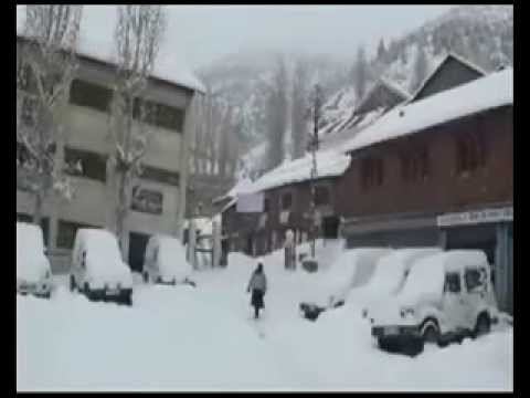 Snowfall in Himachal Pradesh disrupts normal life