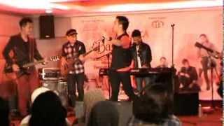 Download Lagu d'bagindas showcase in kuala lumpur suka sama kamu Gratis STAFABAND