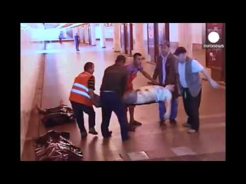 Many dead and injured in Moscow metro derailment