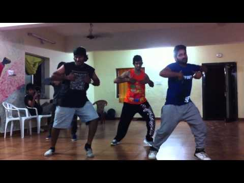 The Bilz & Kashif - Tera Nasha Choreography By Street Dancers Crew video