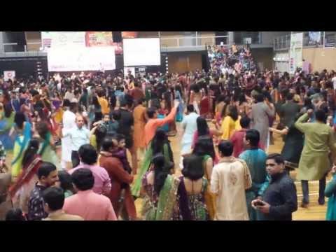 Sydney,liverpool Atul Purohit Garba - 2013 Day-2 video