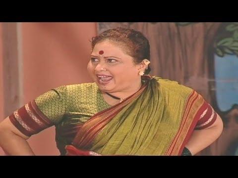 Mohan Joshi, Savita Malpekar- Gadhavach Lagn Comedy Scene 12 15 video