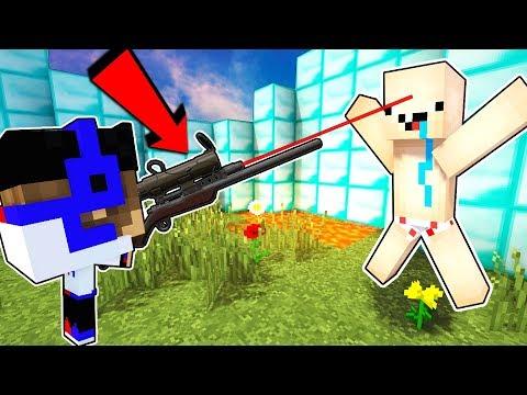 СНАЙПЕРЫ В МАЙНКРАФТ ПЕ Мод на Оружие Обзор на моды Видео Нуб против Про Троллинг в Minecraft PE