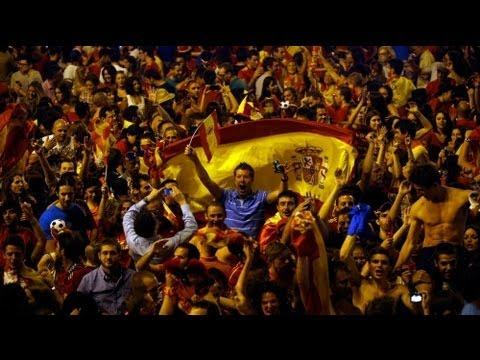 Image video Euro 2012 : joie et fiesta en Espagne, tristesse en Italie