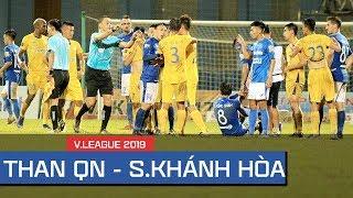 """""""Rợn người"""" tiểu xảo, khiêu khích, bạo lực Than Quảng Ninh vs Sanna Khánh Hòa tại V.League"""