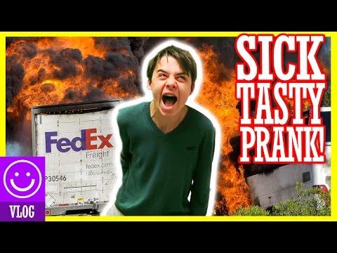 FED EX PRANK ON OUR BROTHER!  |  KITTIESMAMA