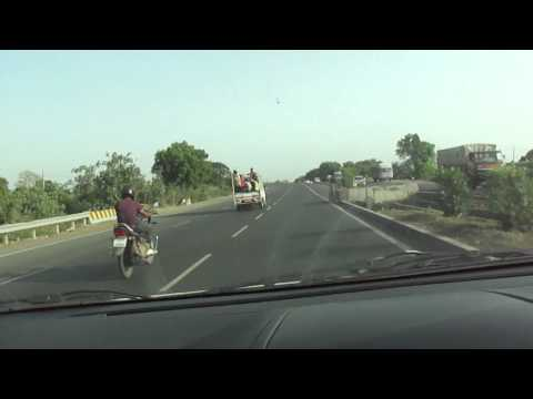 Stupid Tavera driver at 4:35 - Driving a car on National Highway 8, Navsari, Gujarat; 23rd May 2012