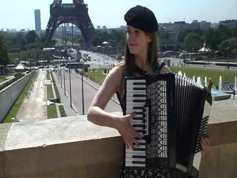 French accordion songs in Paris