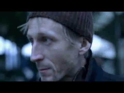 Этот клип очень чуствительный в конце хочется плакать((((((Cлабо нервным не смотреть!!!