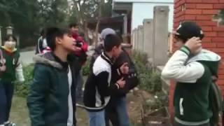 Clip Hóng   Học sinh trường THCS Thị Trấn Cẩm Giàng - Hải Dương đánh nhau vỡ đầu chẻ máu