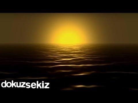 İclal Aydın - Hiç Kimsenin / Altın Tasta Gül Kuruttum (feat. Ceren Çağatay) (Lyric Video)
