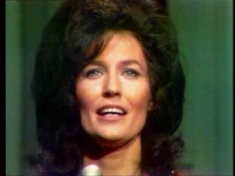 Loretta Lynn - I Burnt The Little Roadside Tavern Down