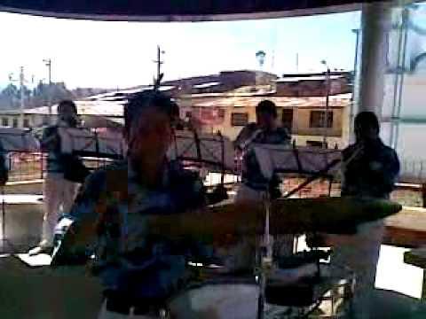 PERU ARMONIA Y CLASE / Mix colegiala