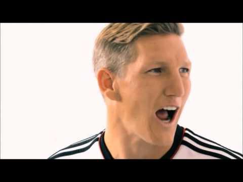 Jugadores de la selección Alemana Aprenden a decir
