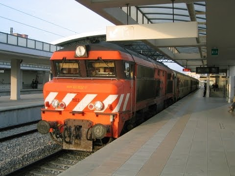 Portugal: CP Class 1930 diesel loco departs from Pragal on an Intercidades train from Lisbon to Faro