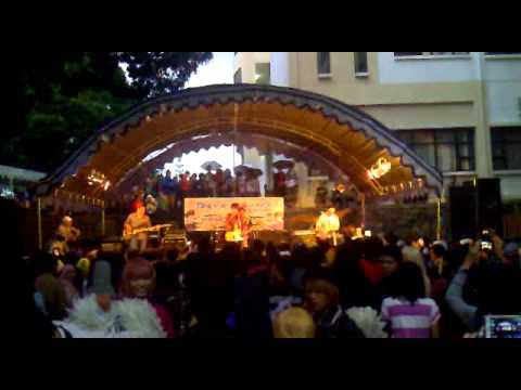Umbrella Time - Parade (Chaba cover) @ JAPANZUKI Show 8 : Tokyo Van Java